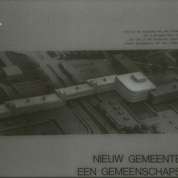 Foto van maquette van gemeentehuis te Ede in 1971