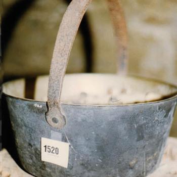 "Ketel ""Hengsel pan"" brons"