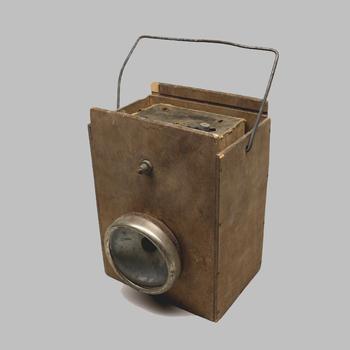 Lamp gebruikt bij droppingen op de Veluwe in de Tweede Wereldoorlog