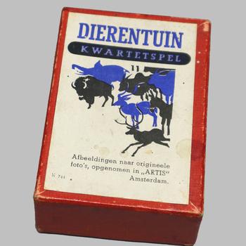 Dierentuin kwartetspel uit 1942 en gemaakt van foto's uit Artis