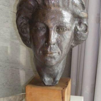 borstbeeld H.M.K.Beatrix
