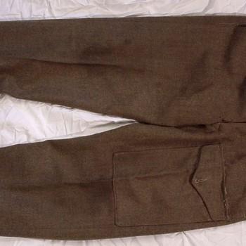 Uniformbroek van wol van het uniform van de Engelse 1ste Airborne Divisie in de Slag om Arnhem in september 1944