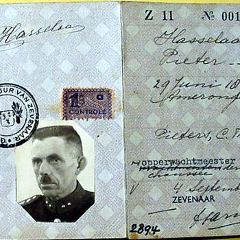 Persoonsbewijs van papier van Pieter Hasselaar 1941