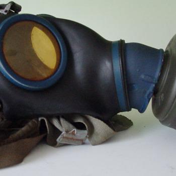 Gasmasker 'duits gasmasker' rubber en textiel Duitsland circa 1939