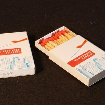 Luciferdoosje van karton als reclamemateriaal van Peter Stuyvesant ca. 1985-1995