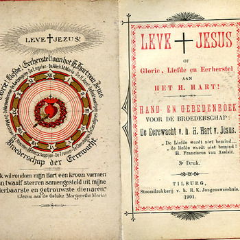 Kerkboek 'Leve Jezus of Glorie, Liefde en Eerherstel aan het H. Hart' papier en kaft overtrokken met textiel door Stoomdrukkerij v.h. R.K. Jongensweeshuis 1901