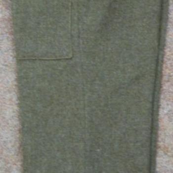 Broek, behorend bij het militaire uniform, gedragen door Canadezen