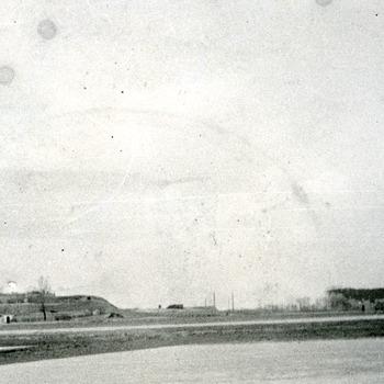 Zwart-wit foto van Fort Pannerden bij Doornenburg ca.  1985