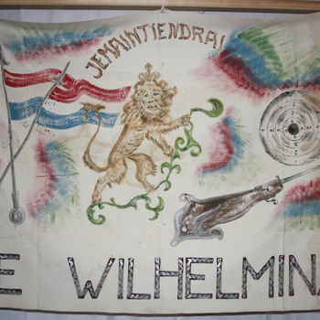 Vlag 'Schutterij Wilhelmina' te Didam verf op linnen,  circa 1954