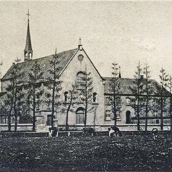 Ansichtkaart van de kapel van het Kapucijnenklooster in Babberich in 1905