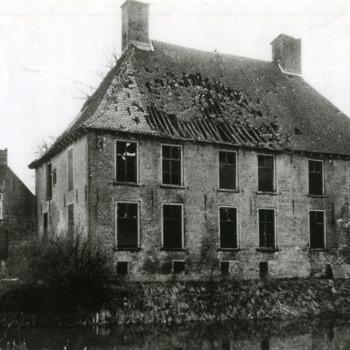 Zwart-wit foto van Huis Aerdt in Herwen 1945