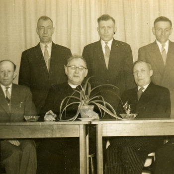 Zwart-wit foto van het 40 jarig jubileum van vakbond Sint Willibrordus in Herwen en Aerdt op 12 april 1959