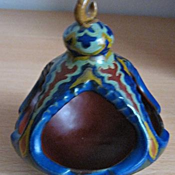 Bovenste deel van een een asbak uit twee delen van keramiek van Turmac