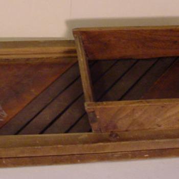 Koolschaaf van metaal en hout