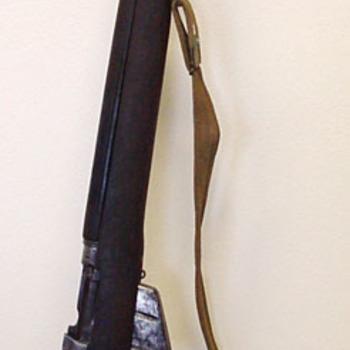 Kogelgeweer 'Enkelloops geweer Lee Enfield, kaliber.303, type no.4 Mk1' metaal en hout,  Engeland, 1940