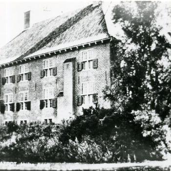Zwart-wit foto van Huis Aerdt in Herwen 1973