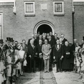 Zwart-wit foto van de gemeenteraad van Pannerden ca. 1928-1933