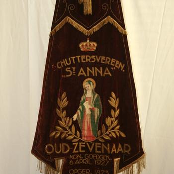 Vaandel 'Schuttersvereniging St. Anna Oud-Zevenaar' fluweel ca. 1927