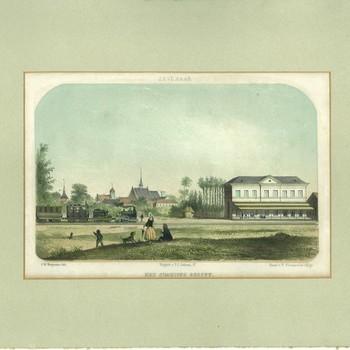 Steendruk met de titel 'Zevenaar Het Stations Gebouw' naar een tekening van J.H. Heijmans door P. Blommers circa 1857