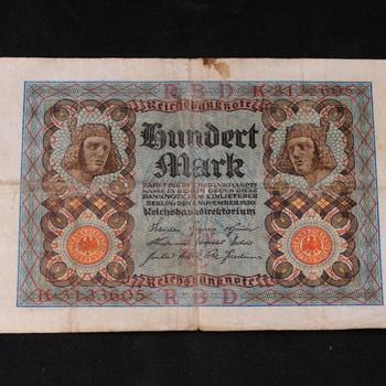 Bankbiljetten van papier 2 stuks van 100 mark 1920
