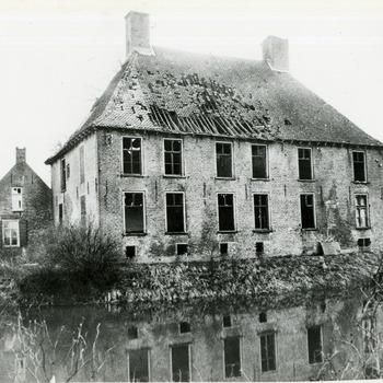 Zwart-wit foto van Huis Aerdt in Herwen ca. 1940-1945