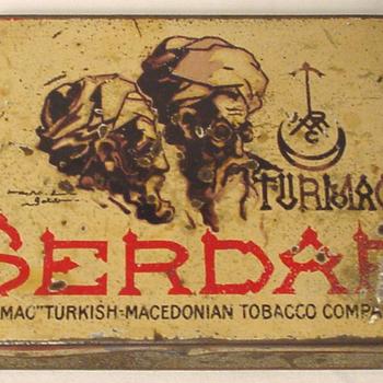 Houder van blik voor Turmac Serdar sigaretten circa 1925