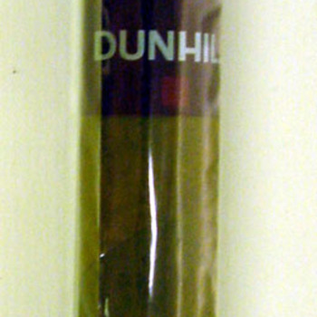 Sigaar van tabak in cellofaan van het merk Dunhill ca. 2001-2005