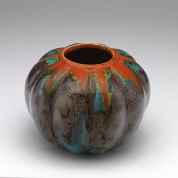 Vaas van Arnhems aardewerk