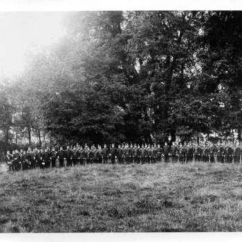 Foto, voorstellende de Schutterij, Plantage te Culemborg, circa 1900