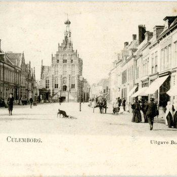 Ansichtkaart, voorstellende de Markt te Culemborg, circa 1900 -1905