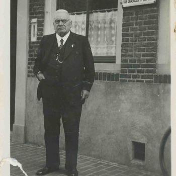 Foto, voorstellende dhr. Van Tiel te Culemborg, 1934