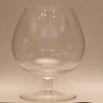 drinkglas met een gravering van Jan van Riebeeck, vervaardigd in 1952