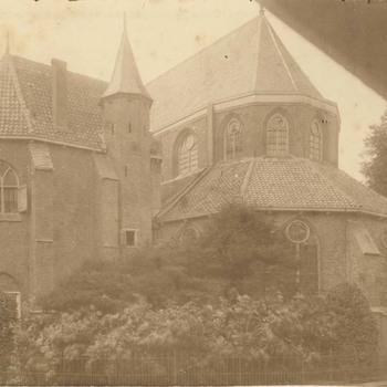 Foto, voorstellende de Grote of Barbarakerk te Culemborg, circa 1920