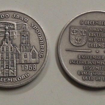 legpenning, geassocieerd met 650 jaar stad Culemborg en 100 jaar spoorbrug te Culemborg, 1968