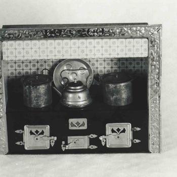 Foto, voorstellende speelgoed keukentje, Museum Elisabeth Weeshuis te Culemborg