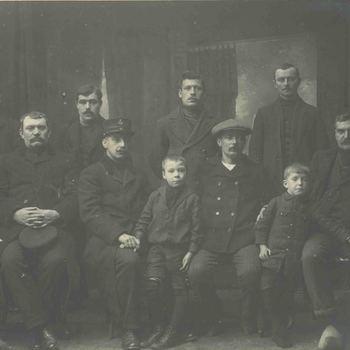 Foto, voorstellende Belgische vluchtelingen WOI te Culemborg 1914