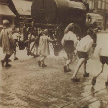 Foto, voorstellende stadsreiniging, Markt, Culemborg, circa 1920