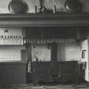 Foto, voorstellende de keuken van het  Elisabeth Weeshuis aan de Herenstraat te Culemborg, jaren '30