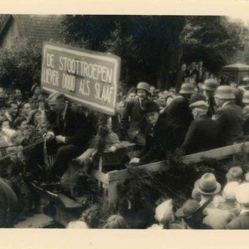 Foto, voorstellende een bevrijdingsfeest te Culemborg, 5 mei 1946