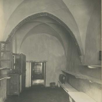 Foto, voorstellende kapel van het Elisabeth Weeshuis, Herenstraat te Culemborg, vervaardigd door G. de Hoog, 1911