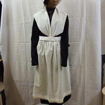kleding voor een weesmeisje Elisabeth Weeshuis te Culemborg