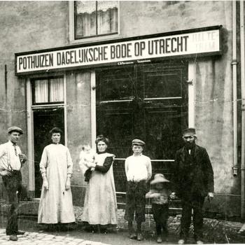 Foto, voorstellende pand firma Pothuizen aan de Kattenstraat te Culemborg, circa 1910