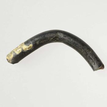Fragment van armband van glas uit de prehistorie