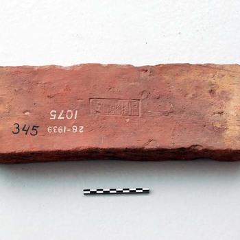 Baksteen van bouwkeramiek uit de Romeinse tijd