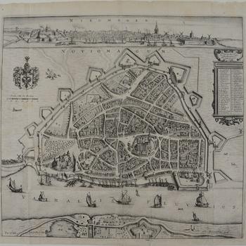 Vogelvluchtplan van Nijmegen met stadsaanzicht en Lentse oever