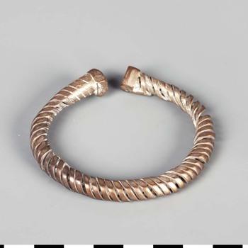 Armband van zilver uit de Romeinse tijd