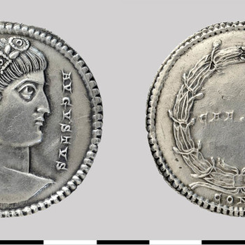Medaillon van Constantijn de Grote, zilveren munt uit de Romeinse tijd