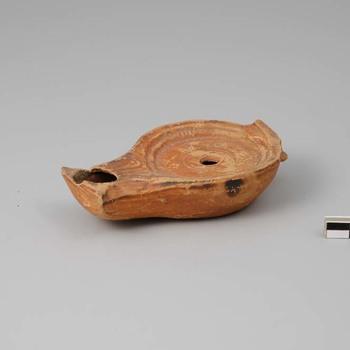 Olielamp van aardewerk uit de Romeinse tijd