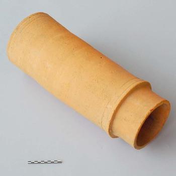 Buis van baksteen (bouwkeramiek) uit de Romeinse tijd
