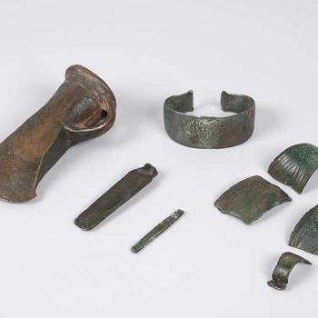 Depot, een kuilinventaris, van bronzen voorwerpen uit de prehistorie